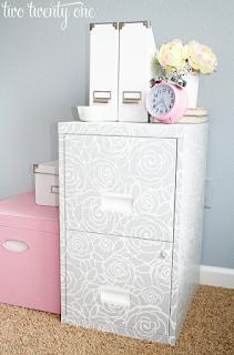 cassettiera da ufficio in metallo personalizzata con stencil