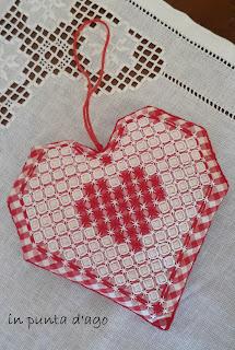 http://silviainpuntadago.blogspot.it/2018/03/un-cuore-imbottito.html