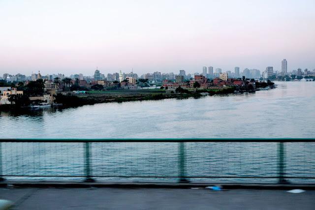 雑多だがエジプトのヒト・モノ・カネがあつまっている感のあるカイロ
