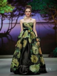 model gaun pesta by ivan gunawan