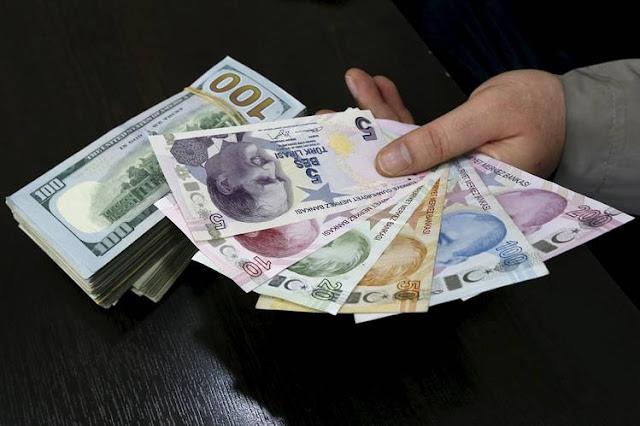 A moeda turca perdeu 24 por cento de seu valor contra o dólar nos últimos seis meses
