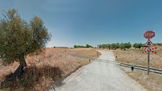 Paso a nivel entre El Señorio de Illescas e Illescas, recinto ferial. IMAGEN  GOOGLE MAPS