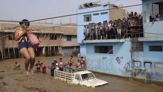 Peru floods Update _95223035_mediaitem95223034