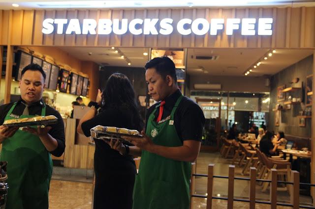 Cup Testing Ulang Tahun Pertama Starbuck Cafe Pontianak