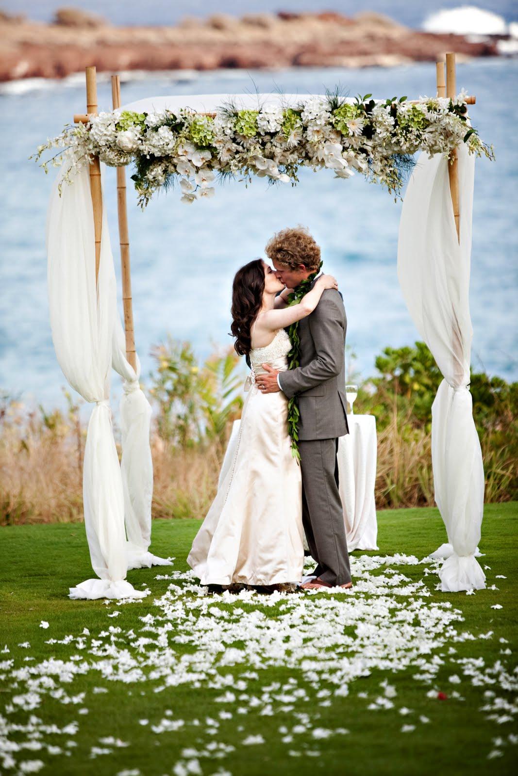 Destination Weddings - Destination Wedding Hawaii: Love on ...