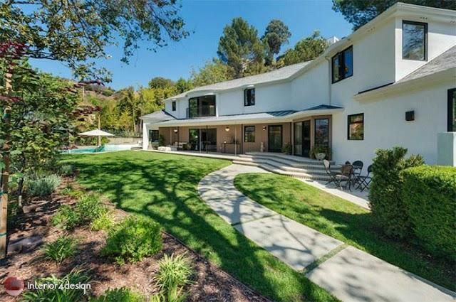 Scarlett Johansson's House In Los Angeles 9