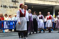 Misa y aurresku en el día grande de las fiestas de Barakaldo