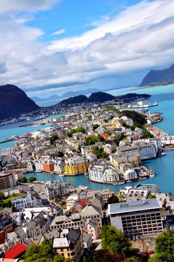 About This Sound Ålesund Help Info Is A Town And Munility In Møre Og Romsdal County Norway It Part Of The Traditional District Sunnmøre