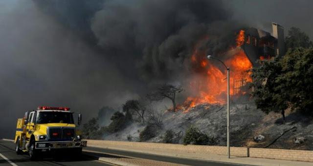 California kebakaran