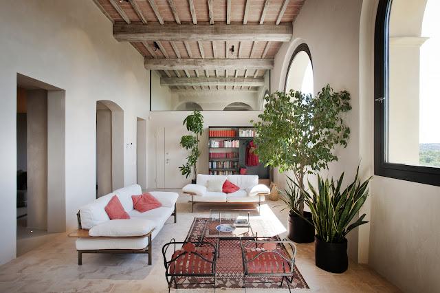 15th Century Italian Villa Renovation By CMT Architects 1