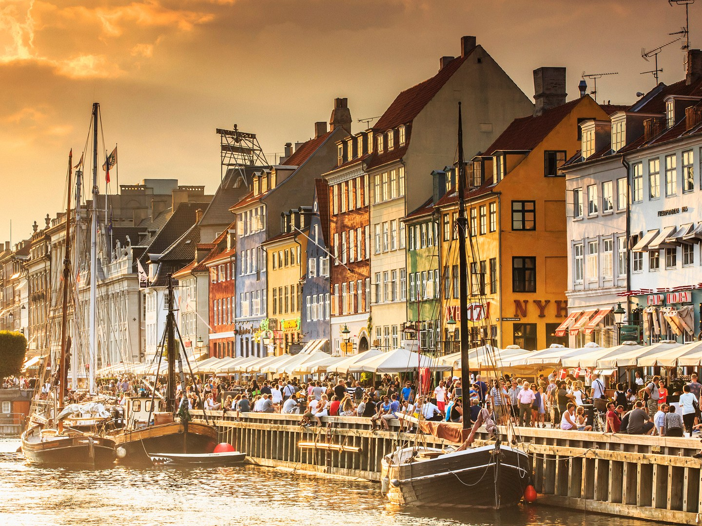 10 Happiest Countries in The World 2016