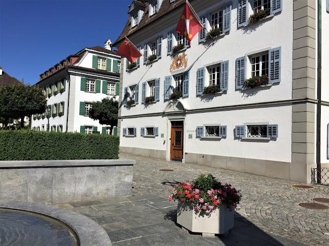 Ratshaus auf dem Seeplatz, Bezirk Küssnacht am Rigi