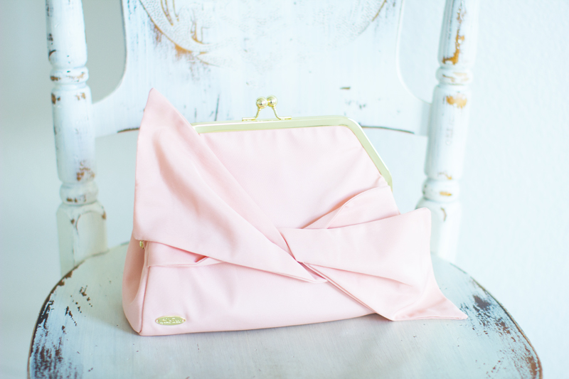 lela rose free gift with purchase, beauty.com free gift, pink clutch