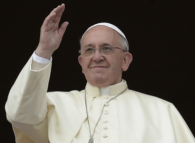 Pope Francis opens free laundromat for poor people in Italy
