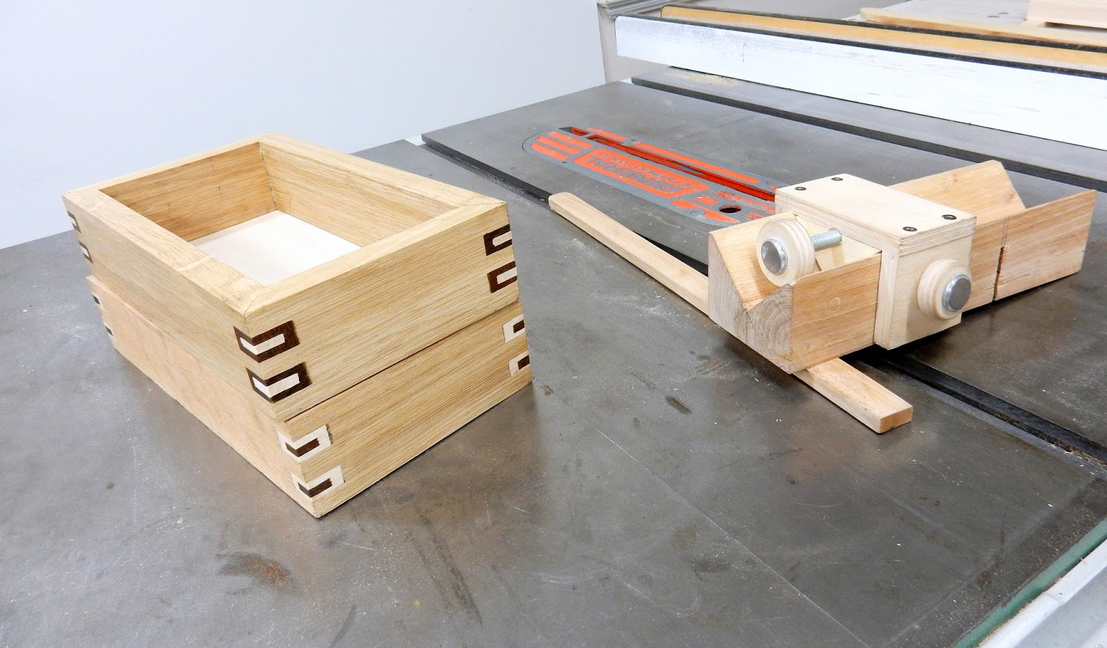 Decorative Boxes How To Make : Jax design make a simple jig and build boxes with