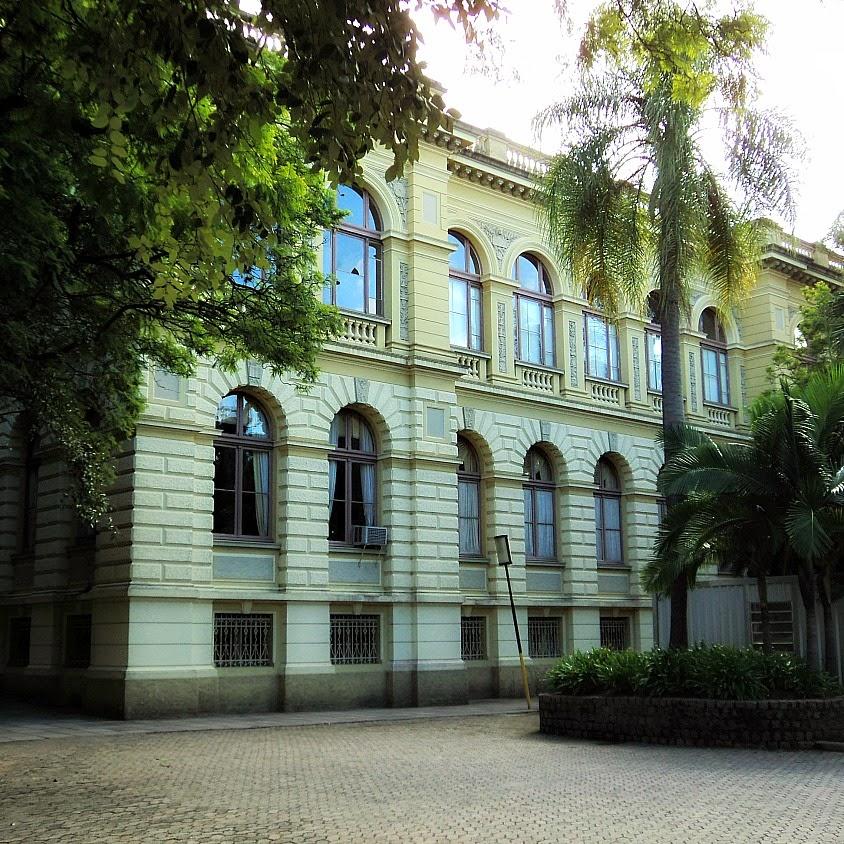 Prédio da Faculdade de Direito da UFRGS foi projetado por Hermann Menschen, em 1900.