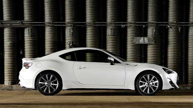 Toyota GT86 TRD side