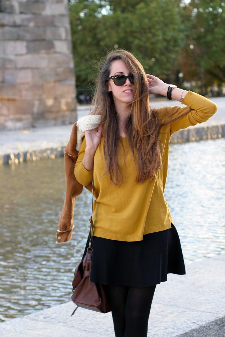 Amarna Miller Entrevista Risto Mejide mustard v-neck sweater | outside fashion catwalk | bloglovin'