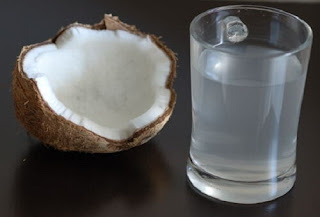 4 Manfaat Menakjubkan Dari Air Kelapa