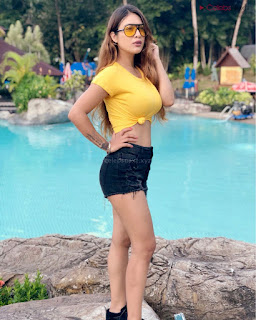 Neha Malik Spicy Indian Model in Yellow Tight T Shirt Stunning Beauty .xyz Exclusive