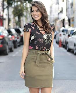 blusa estampada com saia