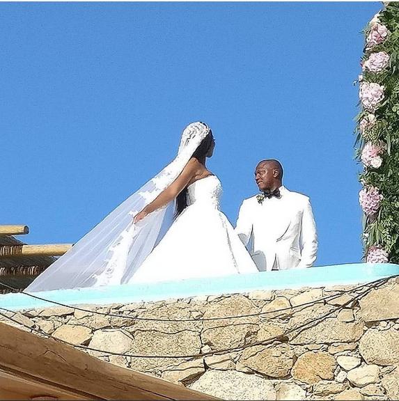 Stephanie-Coker-Olumide-Aderinokun-white-wedding-Mykonos-Greece-6