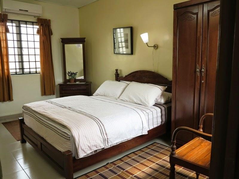 Photo 4: Master bedroom