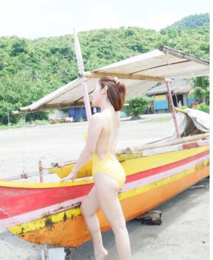 Matapos Makapasa Sa Board Exam, Anak Ni Jose Manalo Na Si Dr. Myki, Nagrelax Sa Beach!