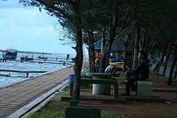 Destinasi Wisata Menarik di Kota Semarang - Pantai Marina