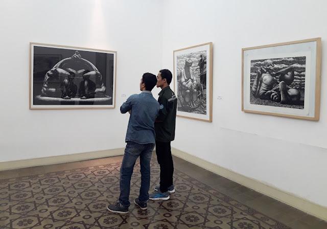 Kritik Sosial dalam Mahakarya Muhlis Lugis