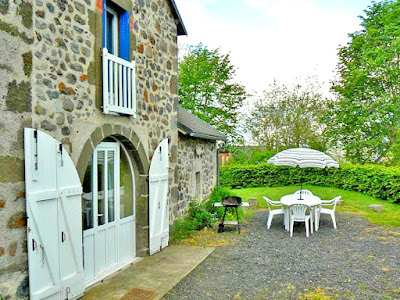Gîte en Auvergne à Cheylade, dans le massif du Puy Mary