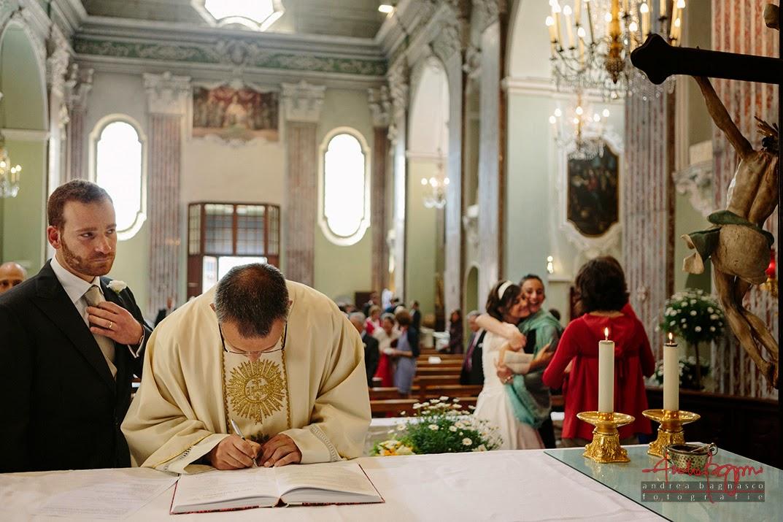 firma del registro sposi matrimonio Genova Castelletto