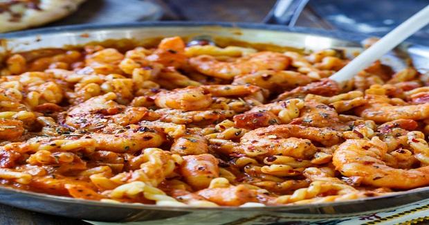Spicy Shrimp And Tomato Cream Pasta Recipe