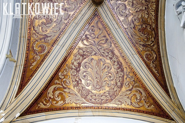 Szczecin. Willa Lentza. Malowany sufit.