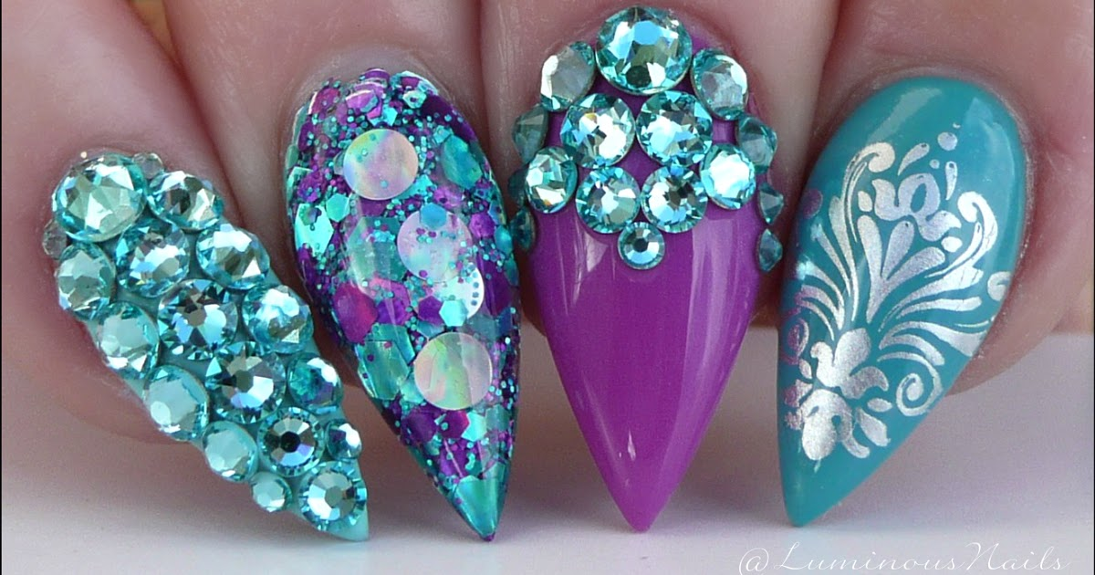 Luminous Nails!