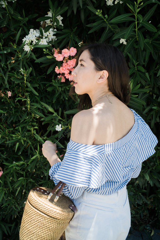 ReadyTwoWear: Off-the-shoulder ruffle top