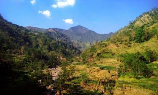 Panorama Alam Perbukitan Desa Rahtawu Kudus