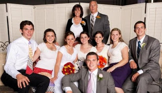 Pernikahan Unik Lima Bersaudara Nikah Bersama