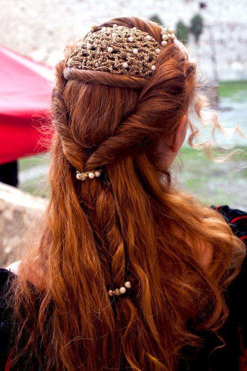 Impressive Renaissance hairstyles! - The HairCut Web