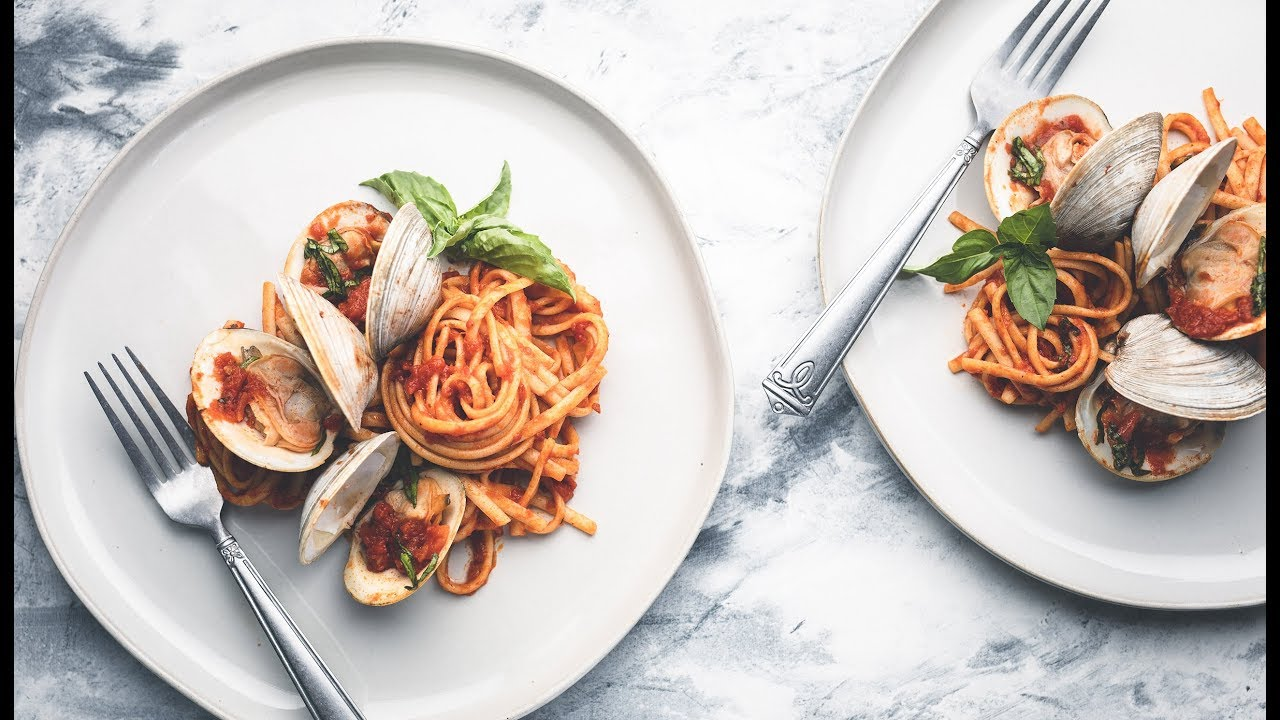 8 Hacks for Placing Utensils in Food Photography