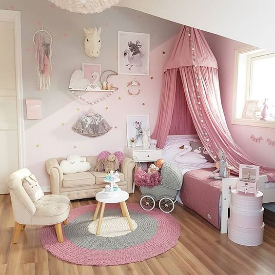 Teenage Rooms: Pretty Pink Girls Room