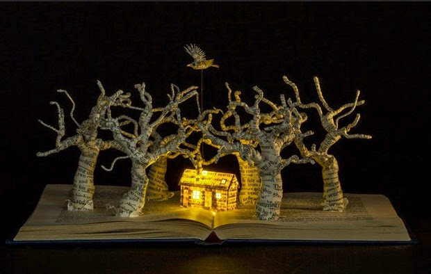 02-The-Darkness-is-Rising-Su-Blackwell-Book-Fairy-Tale-Sculptures-www-designstack-co