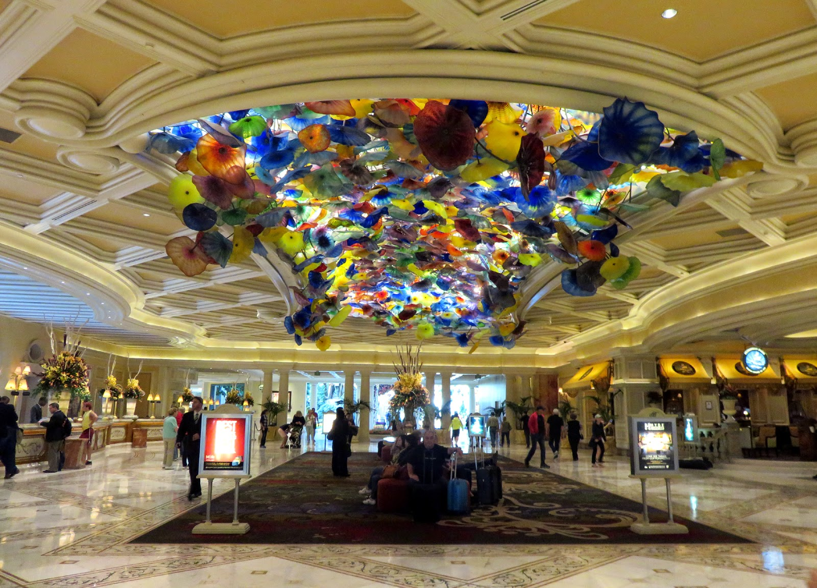 Chihuly chandelier bellagio images chihuly chandelier bellagio dale chihuly chandelier in dale chihuly chandelier in source abuse report arubaitofo Choice Image
