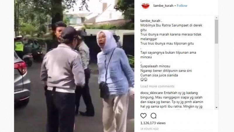 Ratna Sarumpaet marah mobilnya diderek petugas