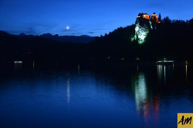 El castillo de Bled de noche
