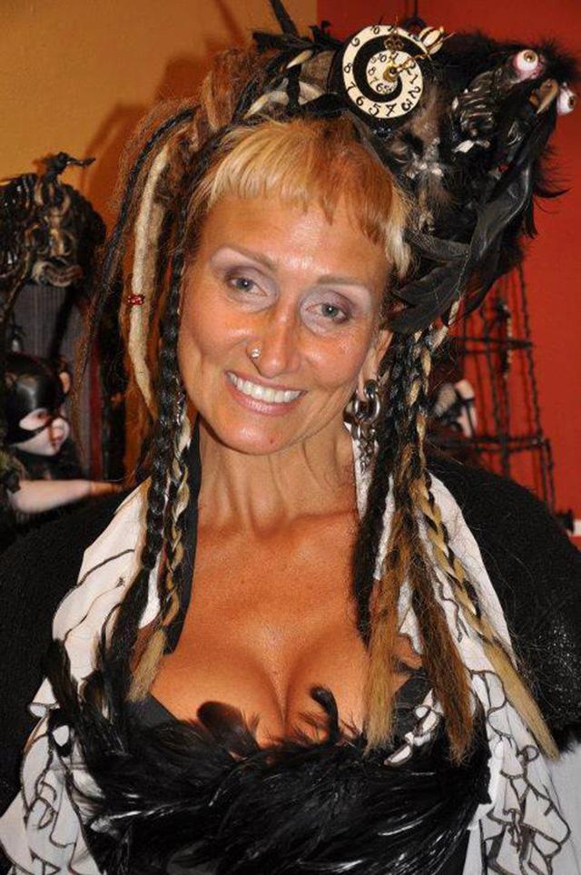 artist stephanie vega