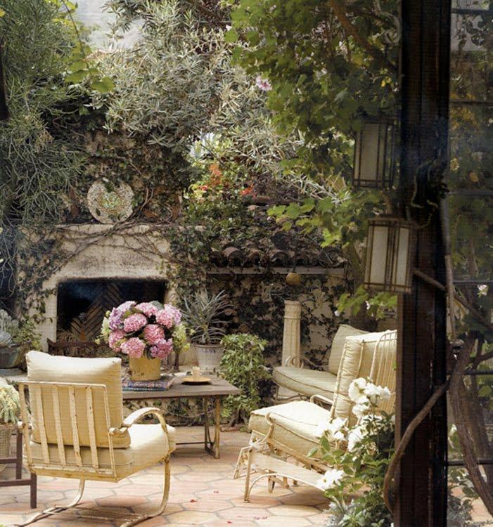 Outdoor Living Room Design: Vignette Design: Outdoor Fireplace Inspiration