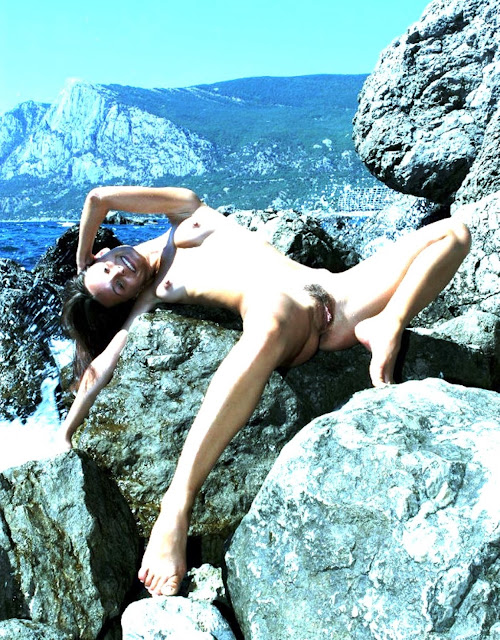 Девушки без лифчиков - www.eroticaxxx.ru эротика фото