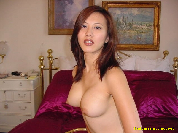 Asian amateur couples making love