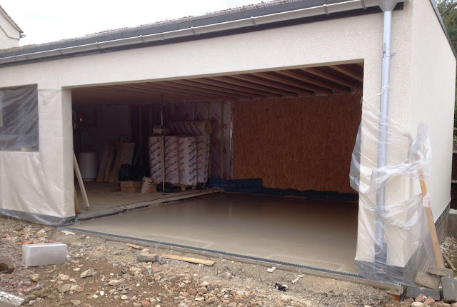 Riseley Eco Cottage Garage Floor Screed